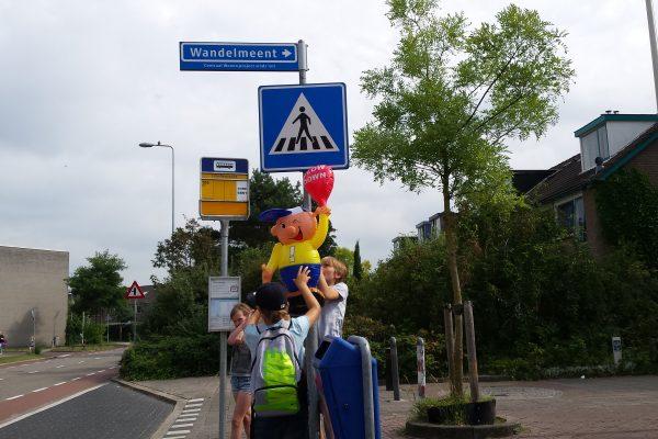 verkeersveilige_pop_ophangen